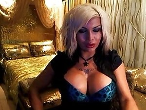 Bib boobs tranny on webcam