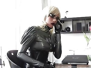 Lovely latex Doll Mia - The Bussiness bitch
