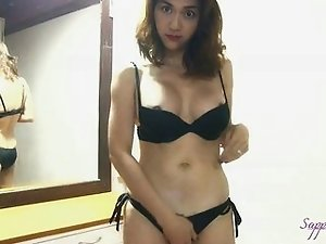Hottie Asian shemale Sapphire Youngs sexy black bikini