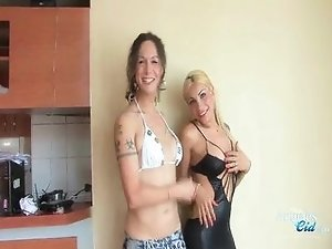 Renatta and nikki shelesbian shower action